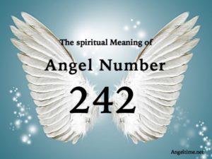 エンジェルナンバー242の数字の意味『あなたの信仰やポジティブさで天界とつながりやすくなっています。